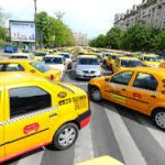 Taxis und Busse protestieren in Bukarest gegen Uber