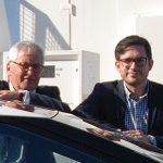 Manfred Draschner, Toyota Deutschland und Bruno Ginnuth, GV CleverShuttle Foto: Taxi Times