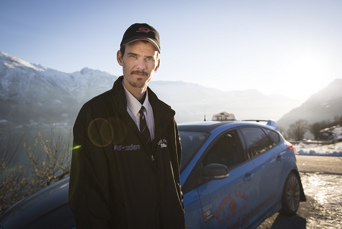 Evald Jåstads mit seinem Ford Focus RS Taxi Foto: Ford Werke GmbH/Falkeblikk AS