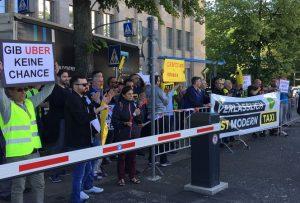 Uber Demo in Berlin Foto: Nadolski