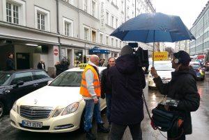 Interview fürs Fernsehen Foto: Taxi Times